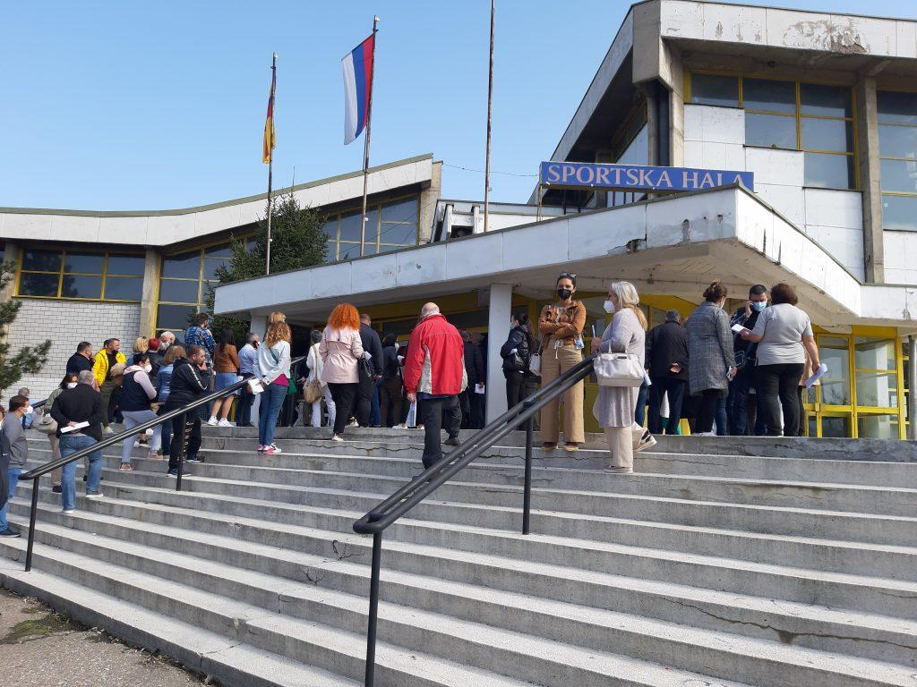 Još 507 državljana Severne Makedonije se vakciniše Fajzerovom vakcinom u Vranju