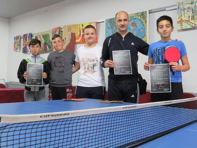 Učenik Josif Marković pobednik turnira u stonom tenisu u Brestovcu
