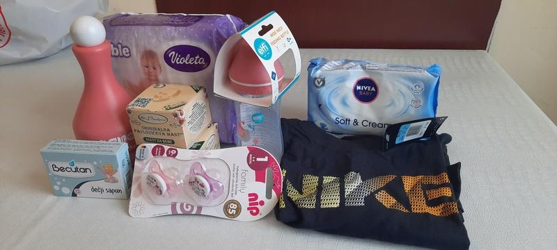 Paket pomoći od Crvenog krsta za sve bebe koje se u Leskovcu rode u toku ove nedelje