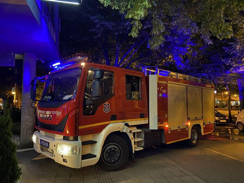 Požar u dvorištu stambene zgrade