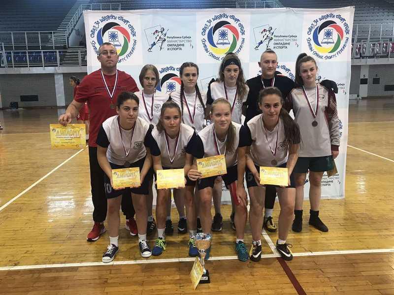 Leskovačke fudbalerke osvojile još jednu srebrnu medalju na državnom prvenstvu