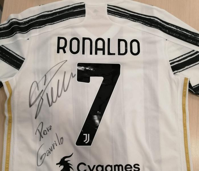 Ronaldo poslao potpisan dres za Gavrila