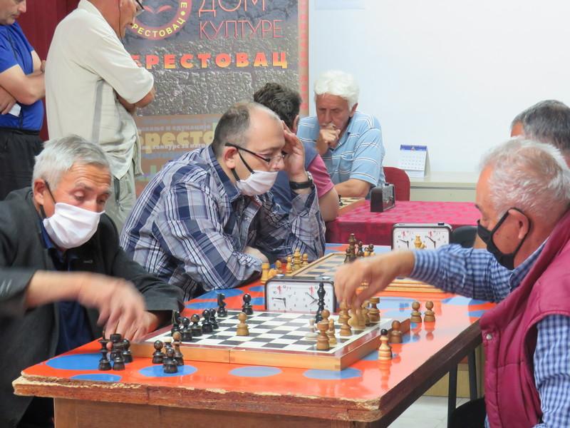 Na šahovskom turniru u Brestovcu pobedio Dragoljub Mitić iz Orljana kod Doljevca