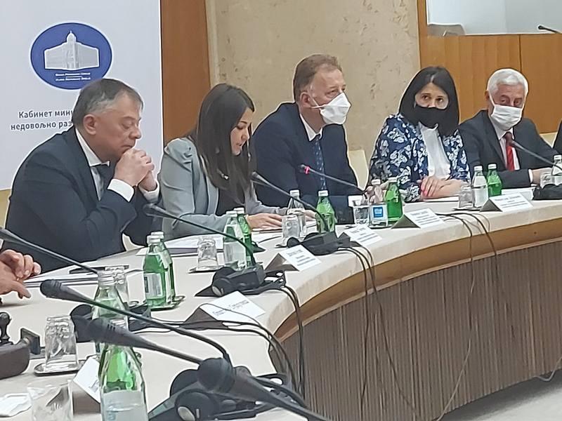 Kabinet ministar bez portfelja Novice Tončeva podržao dva projekta opštini Medveđa