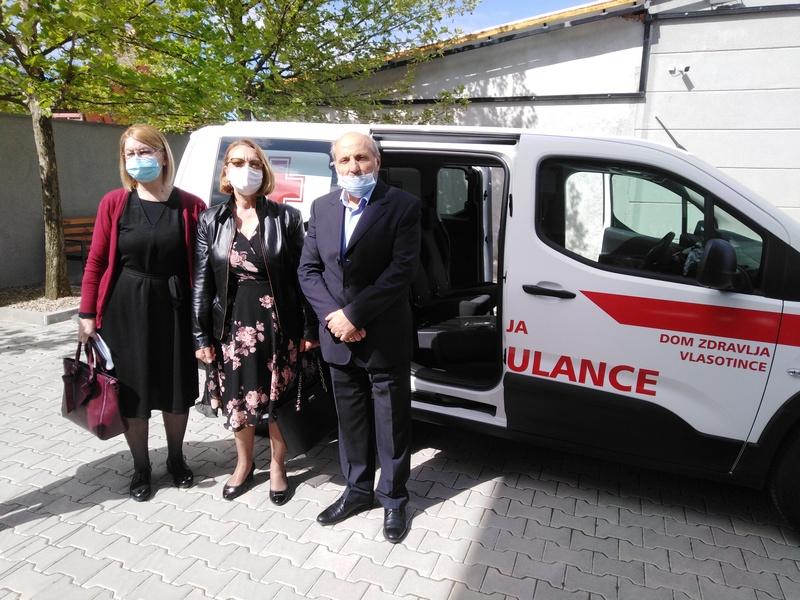 Preduzeće HSV doniralo Domu zdravlja vozilo, a vrtiću plac