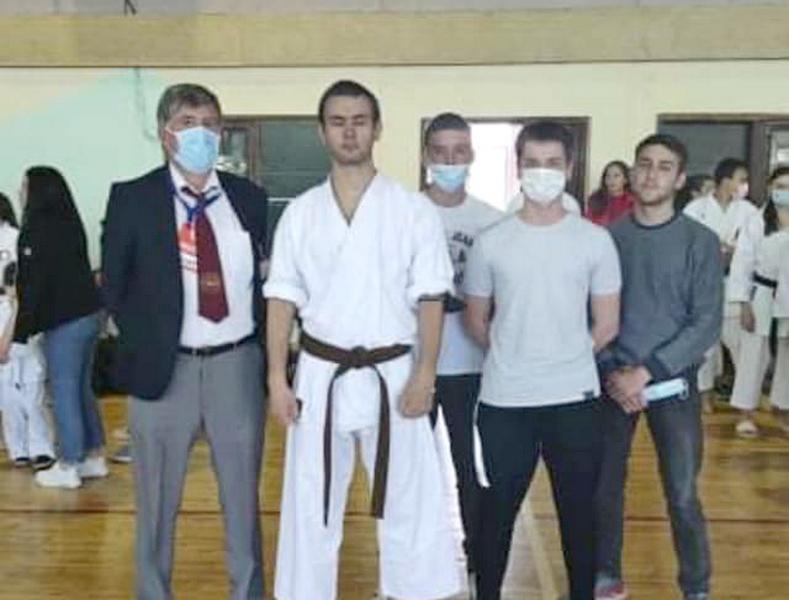 Karate klub Vranje osvojio tri zlatne i jednu srebrnu medalju
