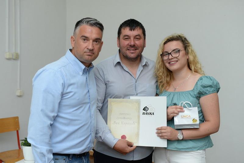 Za Aleksandru Kostić, đaka generacije u Poljoprovrednoj školi poklon vaučer za letovanje u Grčkoj