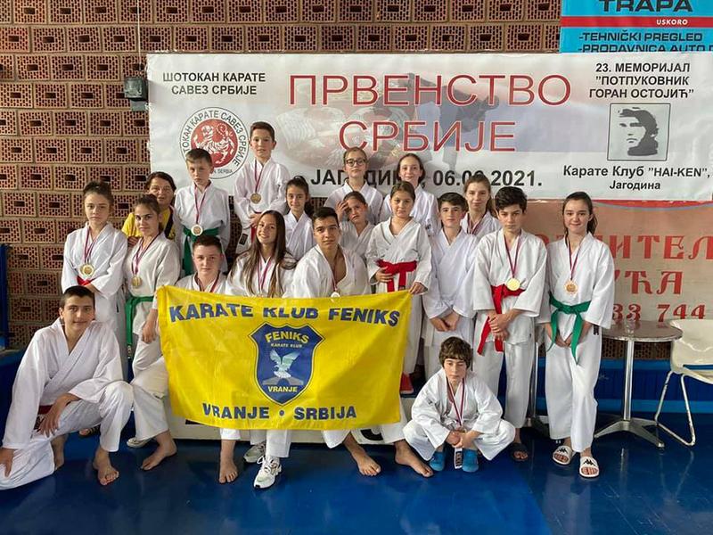 Feniksovci osvojili 24 medalje