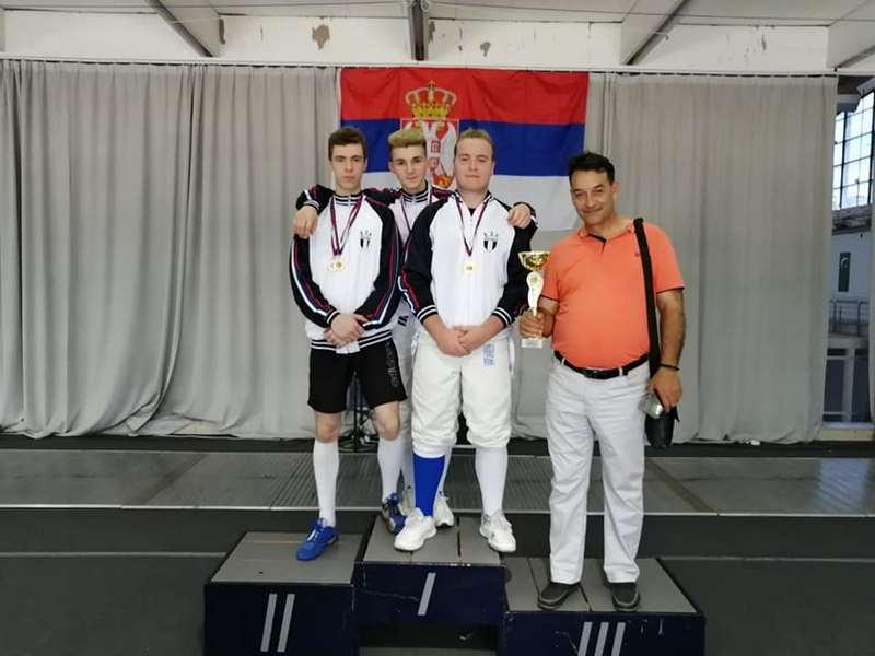 Momci iz Mačevalačkog kluba Dubočica osvojili titulu prvaka države u sablji