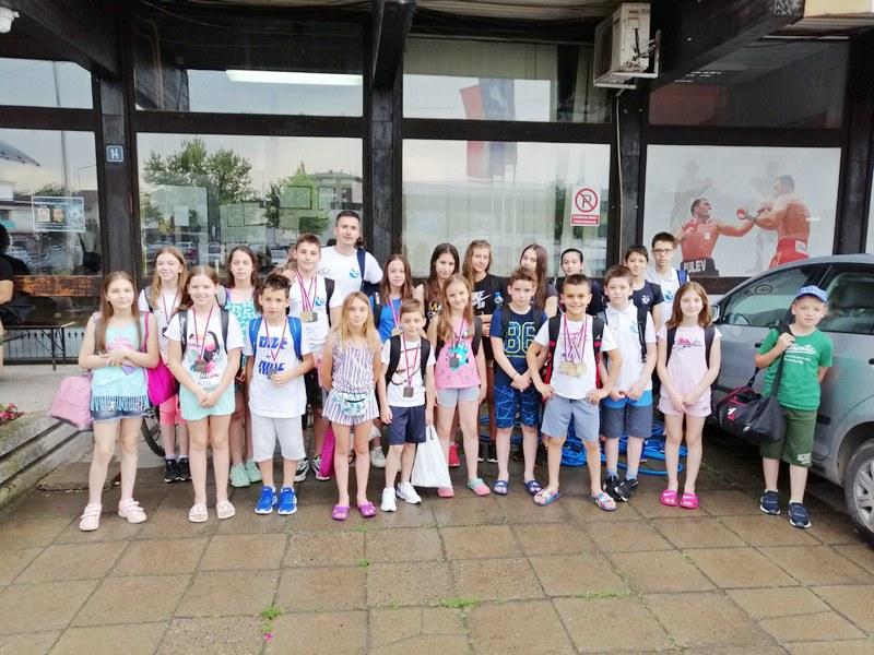 Plivači PK Dubočica doneli 17 medalja u Leskovac