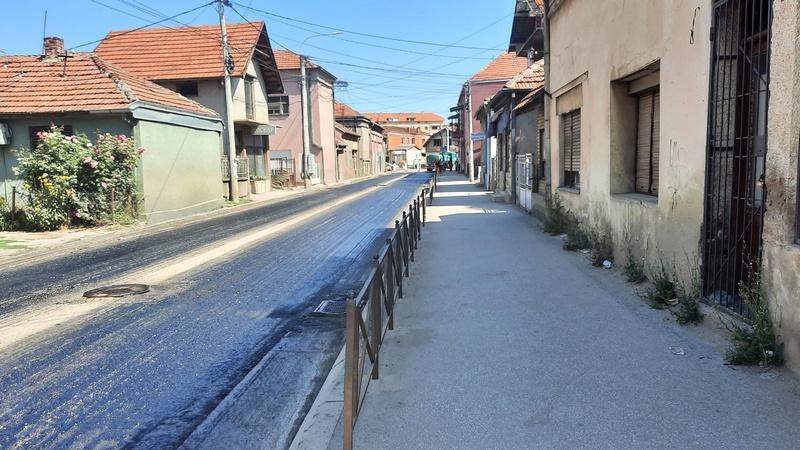 Vlajkova ulica dobila novi asfalt, normalizacija saobraćaja večeras ili sutra