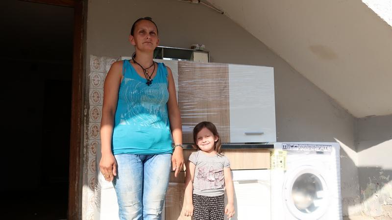 Osmočlana porodica iz Kutleša živi od 30 hiljada dinara, sav novac ide na lečenje četvorogodišnje ćerke Lane (4)