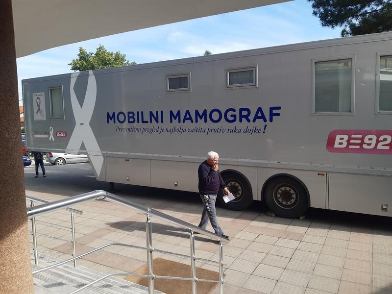 Veliko interesovanje Leskovčanki za pregled dojki na pokretnom mobilnom mamografu