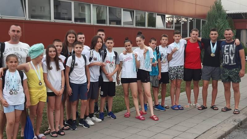 "Još 17 medalja za Plivački klub""Leskovac"""