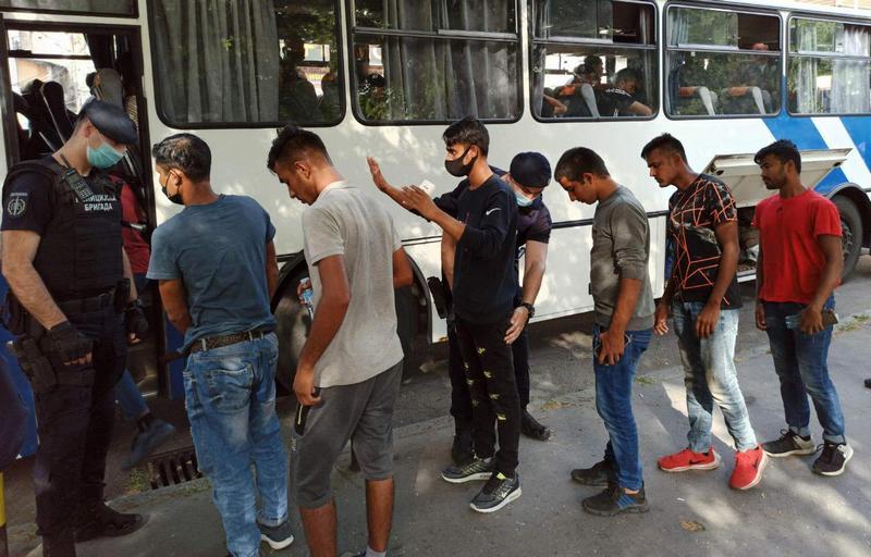 Policija pronašla i smestila u Preševo još 136 migranata