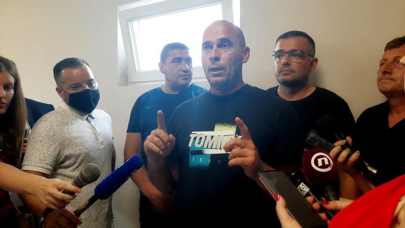 Predstavnici proizvođača paradajza iz Svirca ponovo veruju obećanjima ministra i Vučića