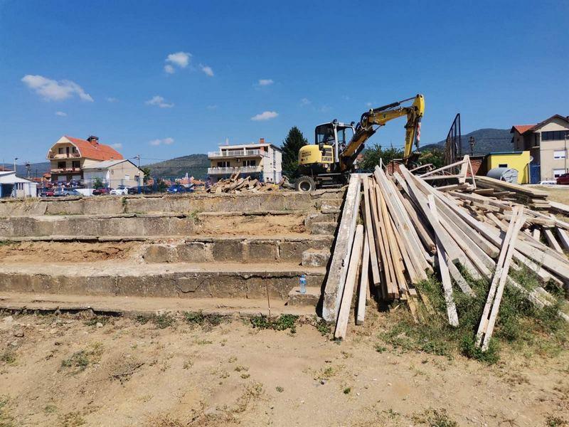 Počela rekonstrukcija tribina na Gradskom stadionu