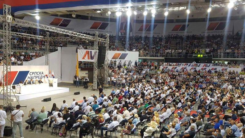 Vučić u Nišu održao najmasovniji stranački skup od početka pandemije