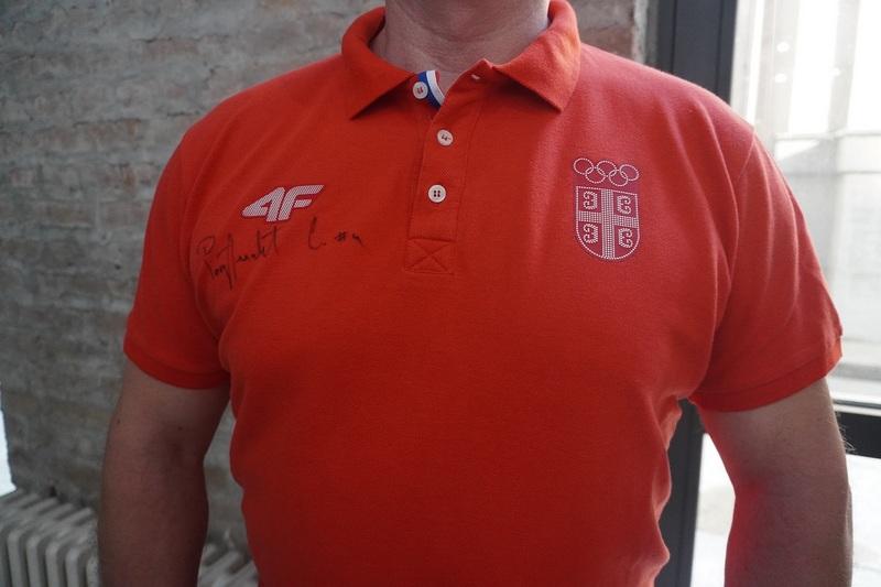 Majica sa potpisom olimpijca Save Ranđelovića na licitaciji Lokalne fondacije Niš