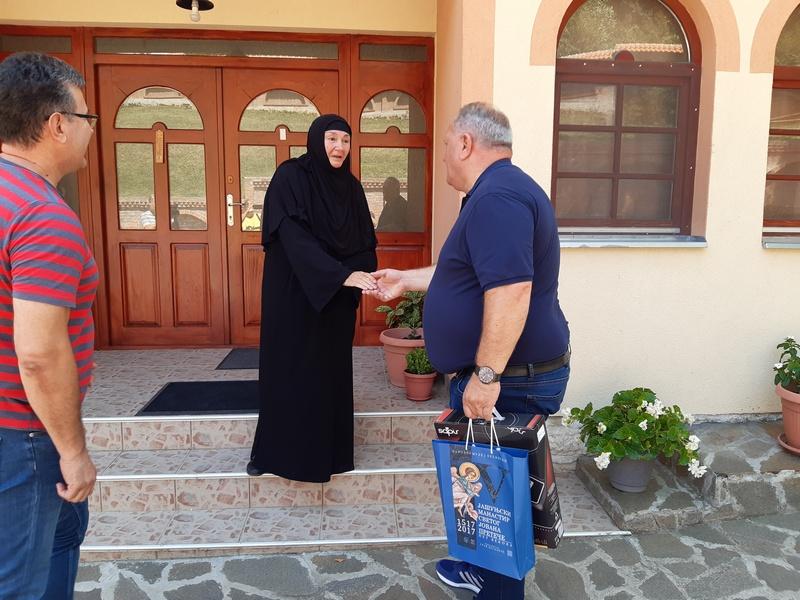 Gradonačelnik Leskovca obišao manastir Svetog Jovana u Jašunji za čiju je obnovu odlikovan ordenon Svetoga Save