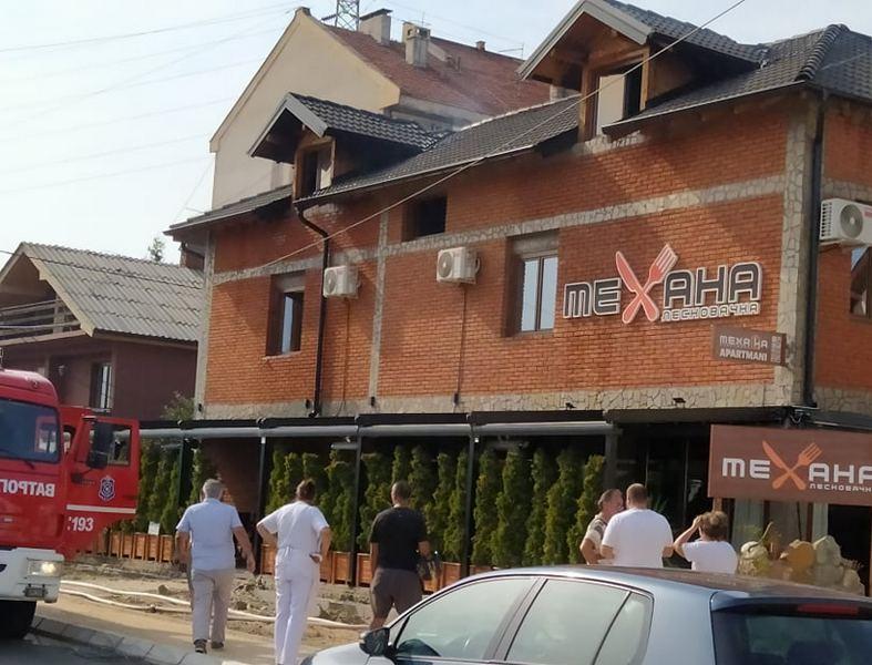 Požar u krovu restoranu Leskovačka mehana