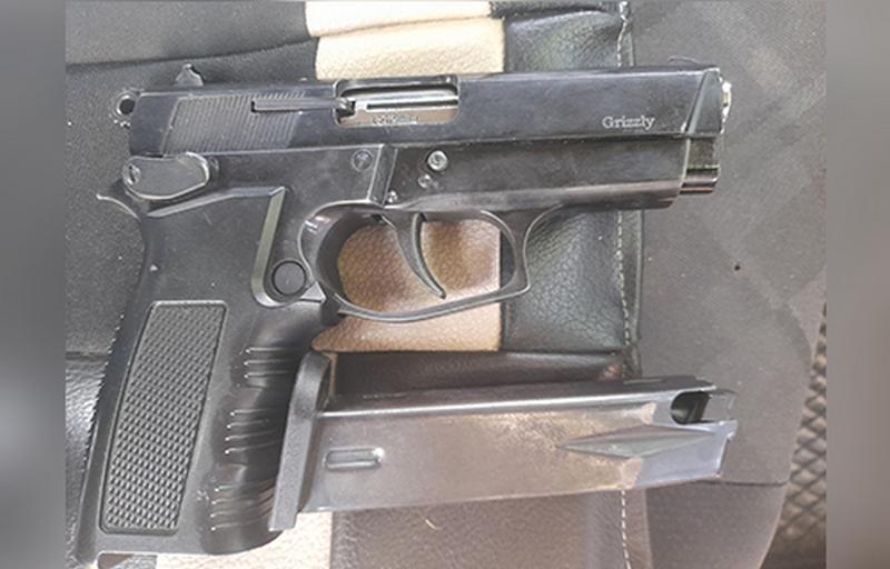 Lebančanin uhapšen zbog neregistrovanog pištolja koji je krio u kaseti automobila