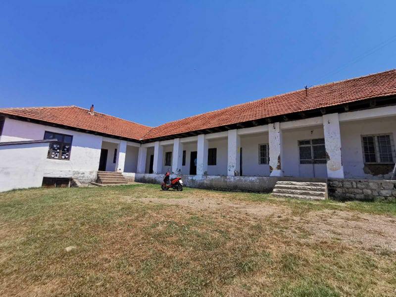 Renovirane škole u Buštranju i Donjem Žapskom