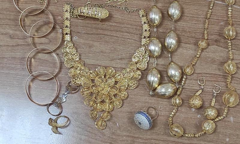U prostoru za rezervni točak sakrili 400 grama zlata