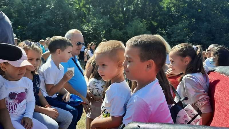 Tradicionalno druženje mališana sa gradonačelnikom Leskovca u Aero i Konjičkom klubu