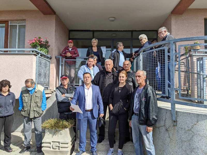 Dveri u Nišu sprečile iseljavanja izbegličke porodice