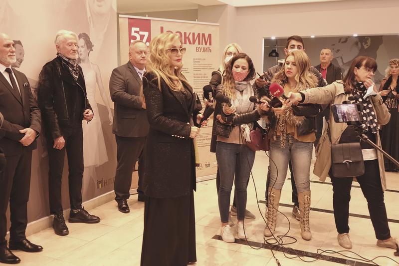 "Leto smo ispratili Lajfom, jesen dočekali ""Joakimom Vujićem"" DOBRO DOŠLI U LESKOVAC (video)"