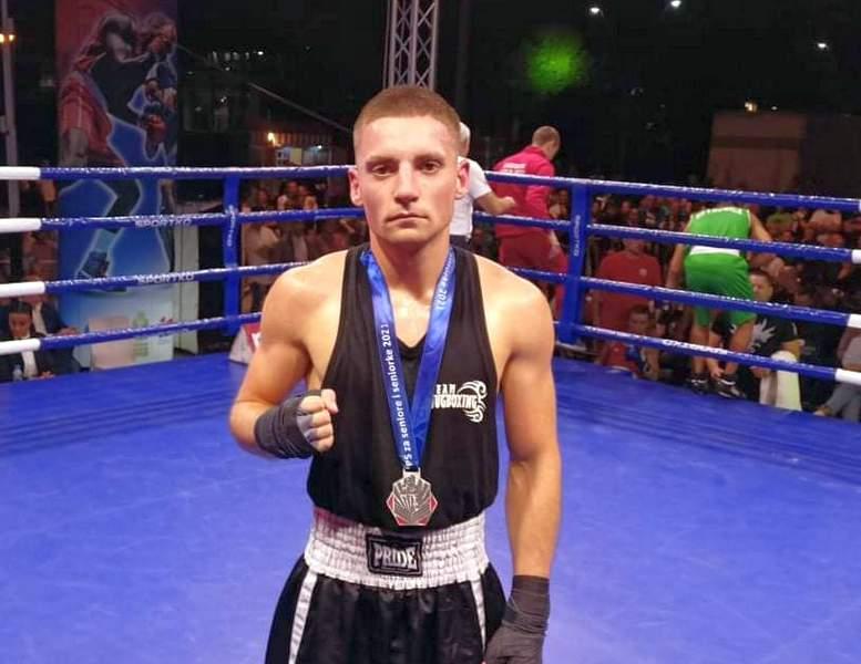 Leskovčanin Nikola Filipović osvojio srebro na seniorskom prvenstvu u boksu