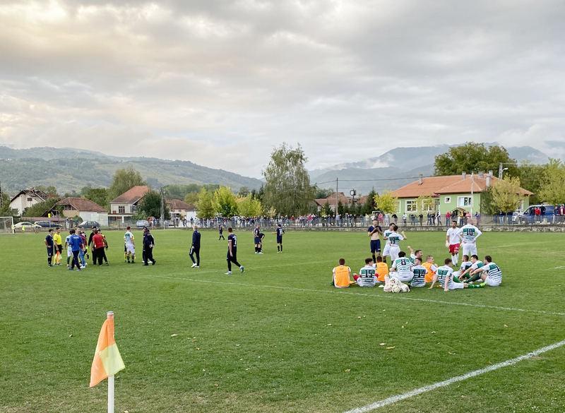 Skandali i blamaže na utakmci FK Alakinci kod Surdulice i FK Planataže iz Donjeg Stopanja kod Leskovca (video)