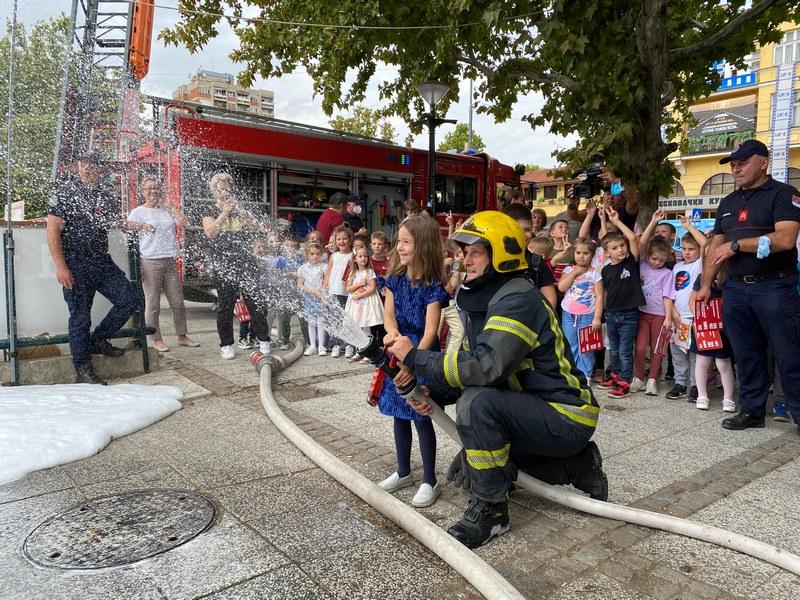 Vatrogasna jedinica obeležila Dan Sektora za vanredne situacije u Leskovcu
