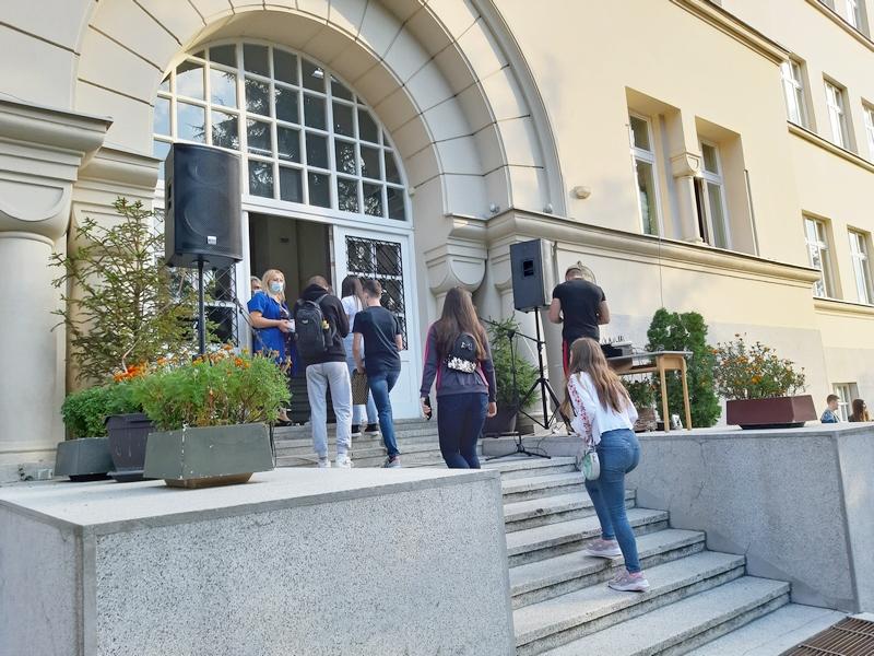 Svaka nova generacija za Gimnaziju u Vranju je – blagoslov