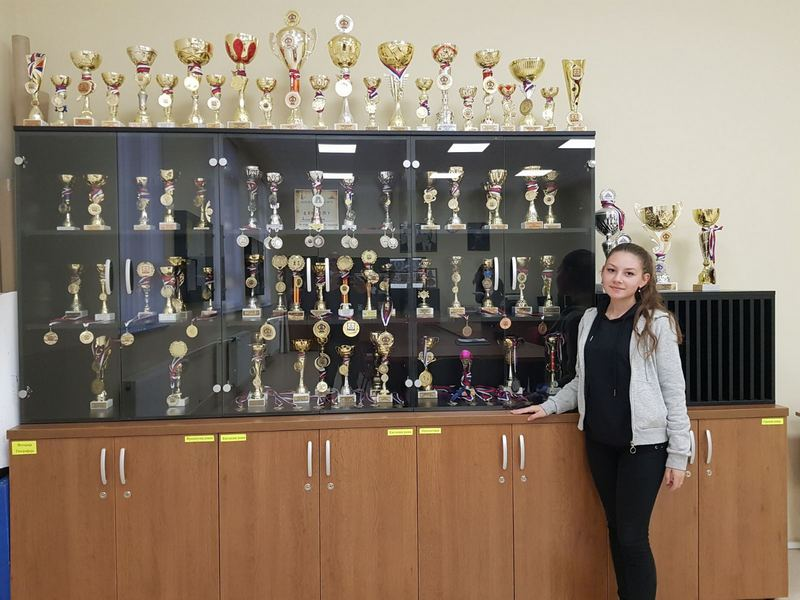Anđela, balkanski šampion u šahu sa 16 godina osvojila do sada 200 pehara i ne planira da stane