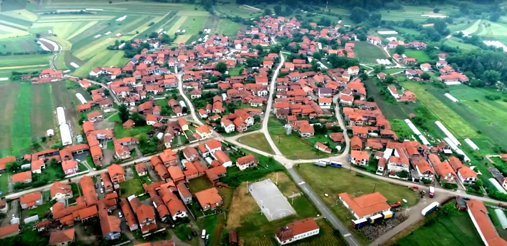 Selo zagonetnog imena poznato po ciglani i gastarbajterima (video)