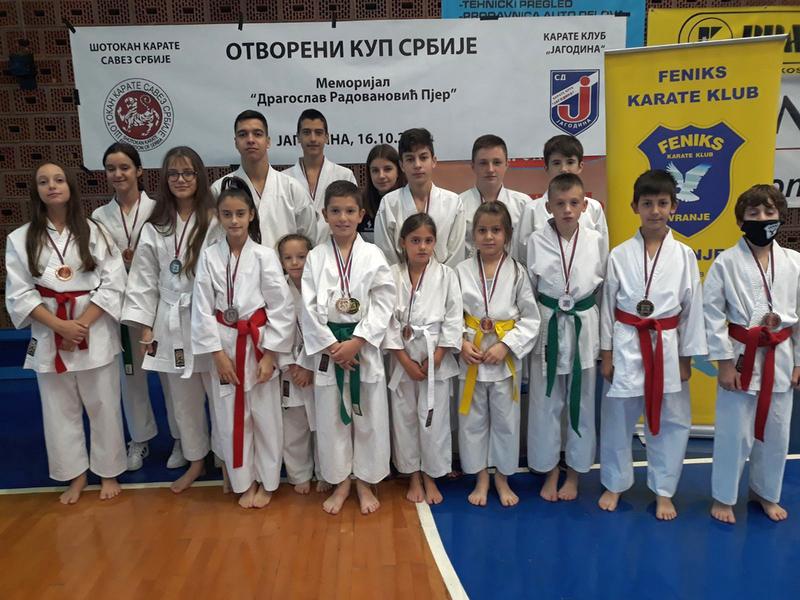 Feniksovci osvojili 18 medalja