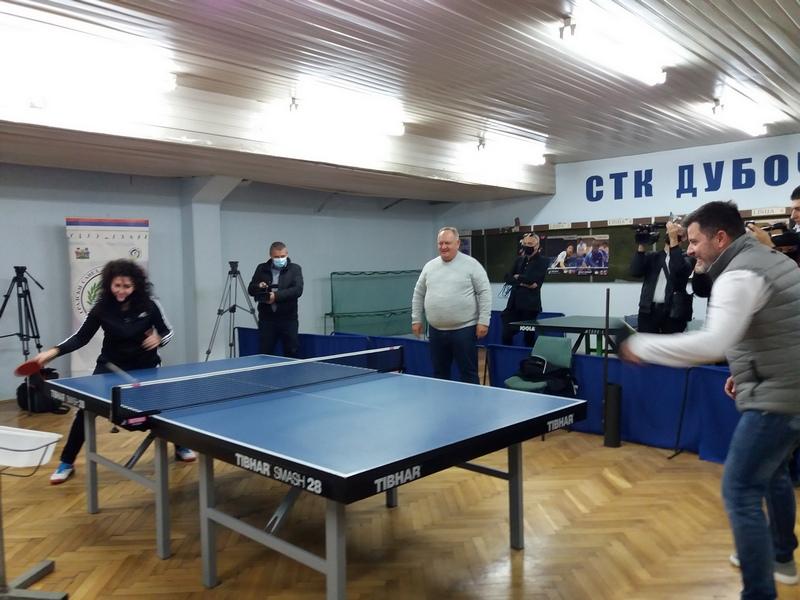 Održan školski turnir u stonom tenisu u Leskovcu